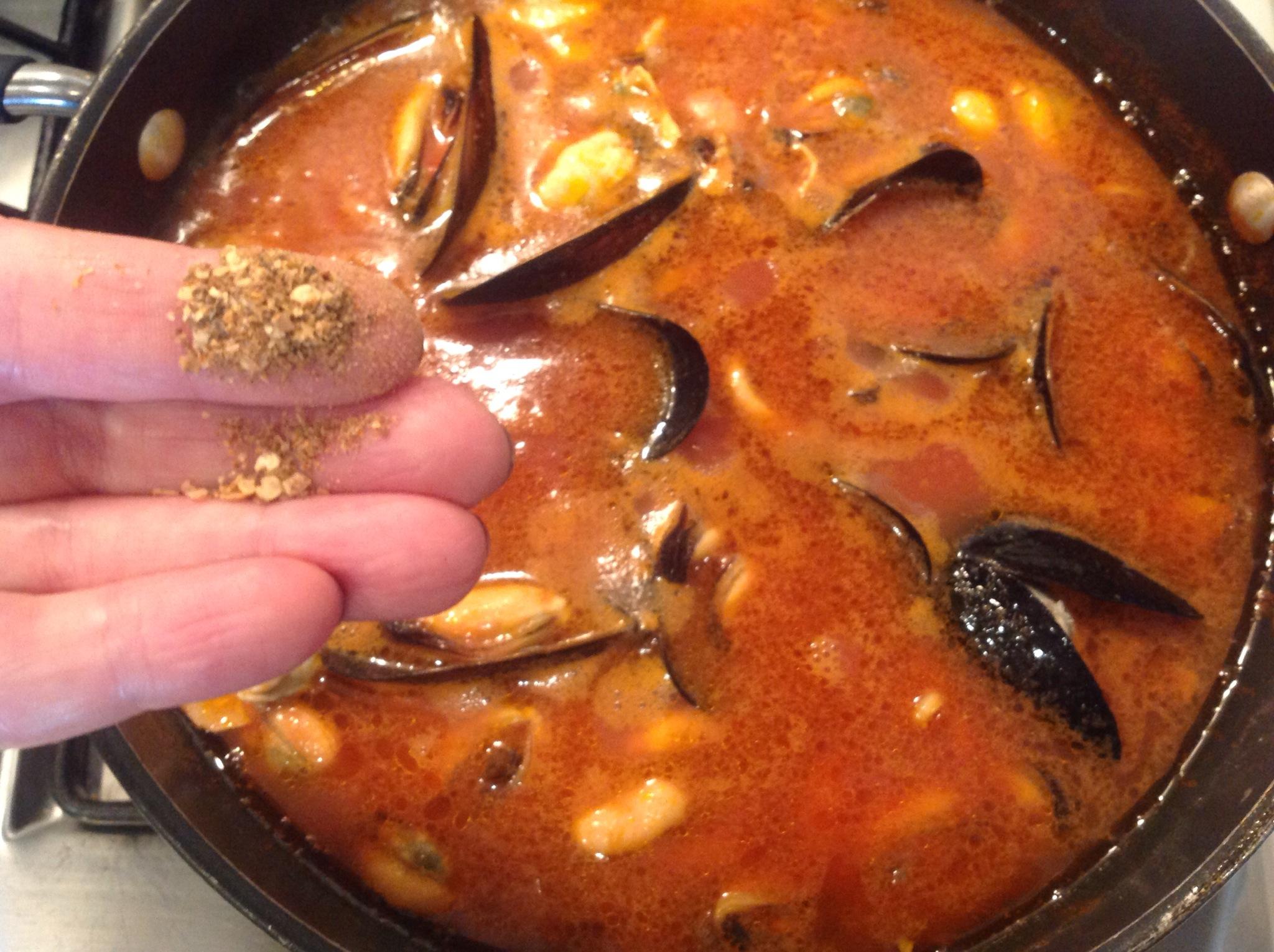 Zuppa Di Cozze Al Pomodoro In Cucina Con Lilly
